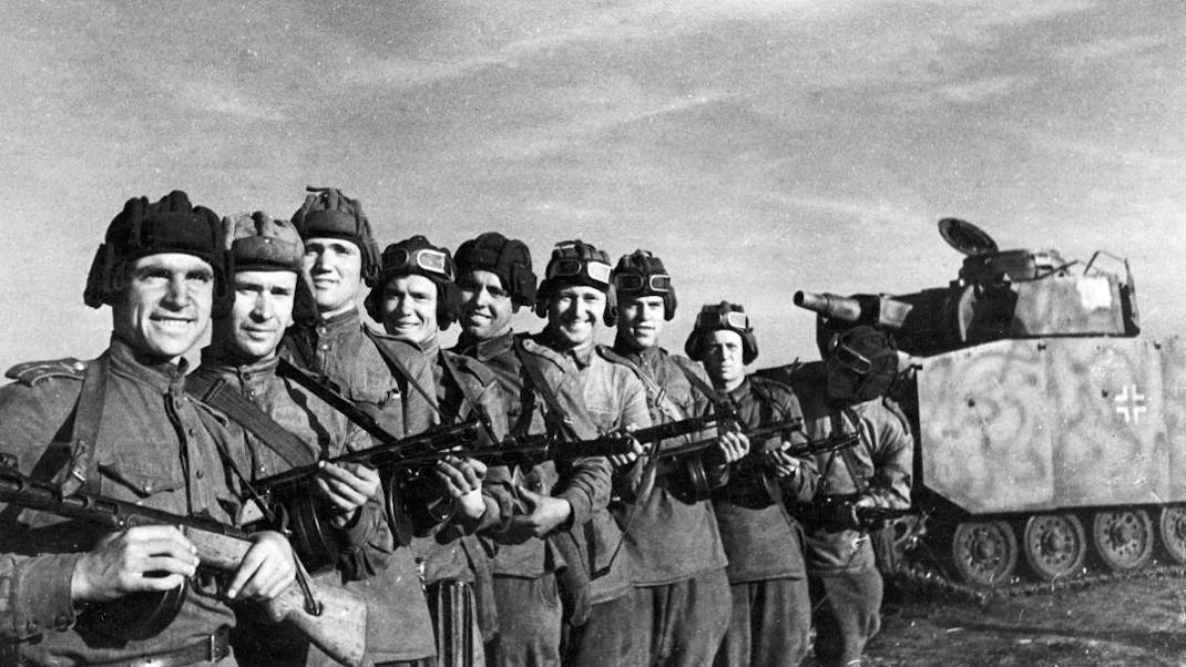 Η Μάχη της Ρωσίας (The Battle of Russia)