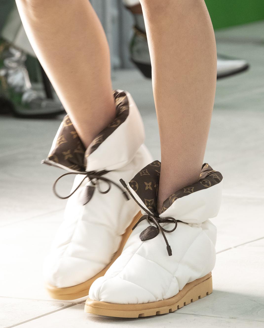pillow boots