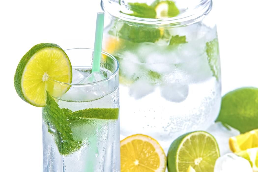 Πράσινο τσάι με λεμόνι για αντιοξειδωτική δράση.