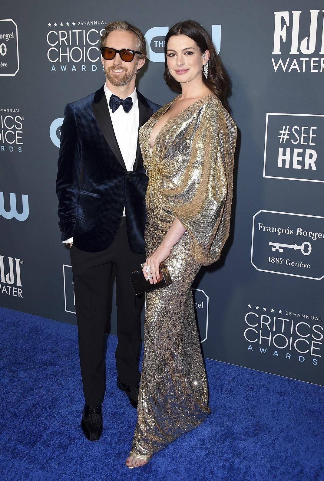 Η Αν Χάθαγουεϊ με τον σύζυγό της, Adam Shulman