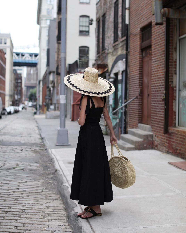 blaireadiebee μαύρο φόρεμα ψάθινο καπέλο