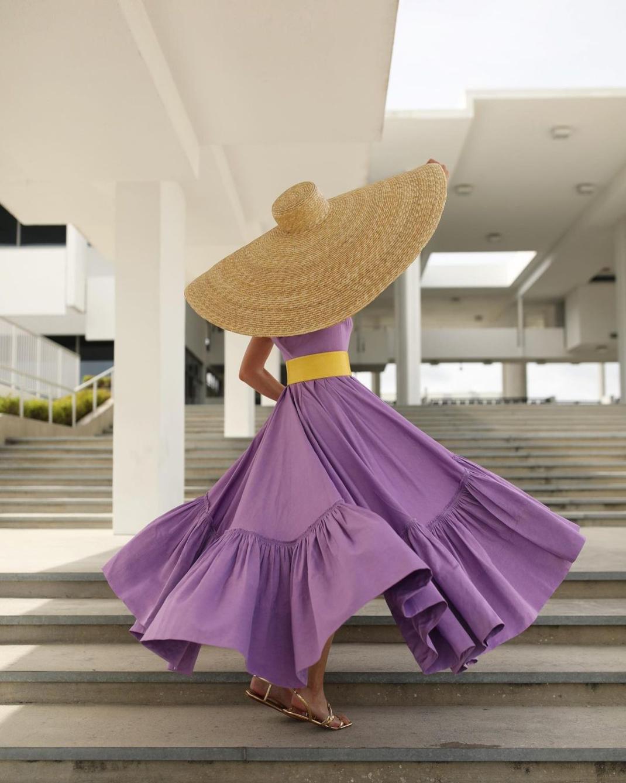blaireadiebee μοβ φόρεμα με βολάν ψάθινο καπέλο