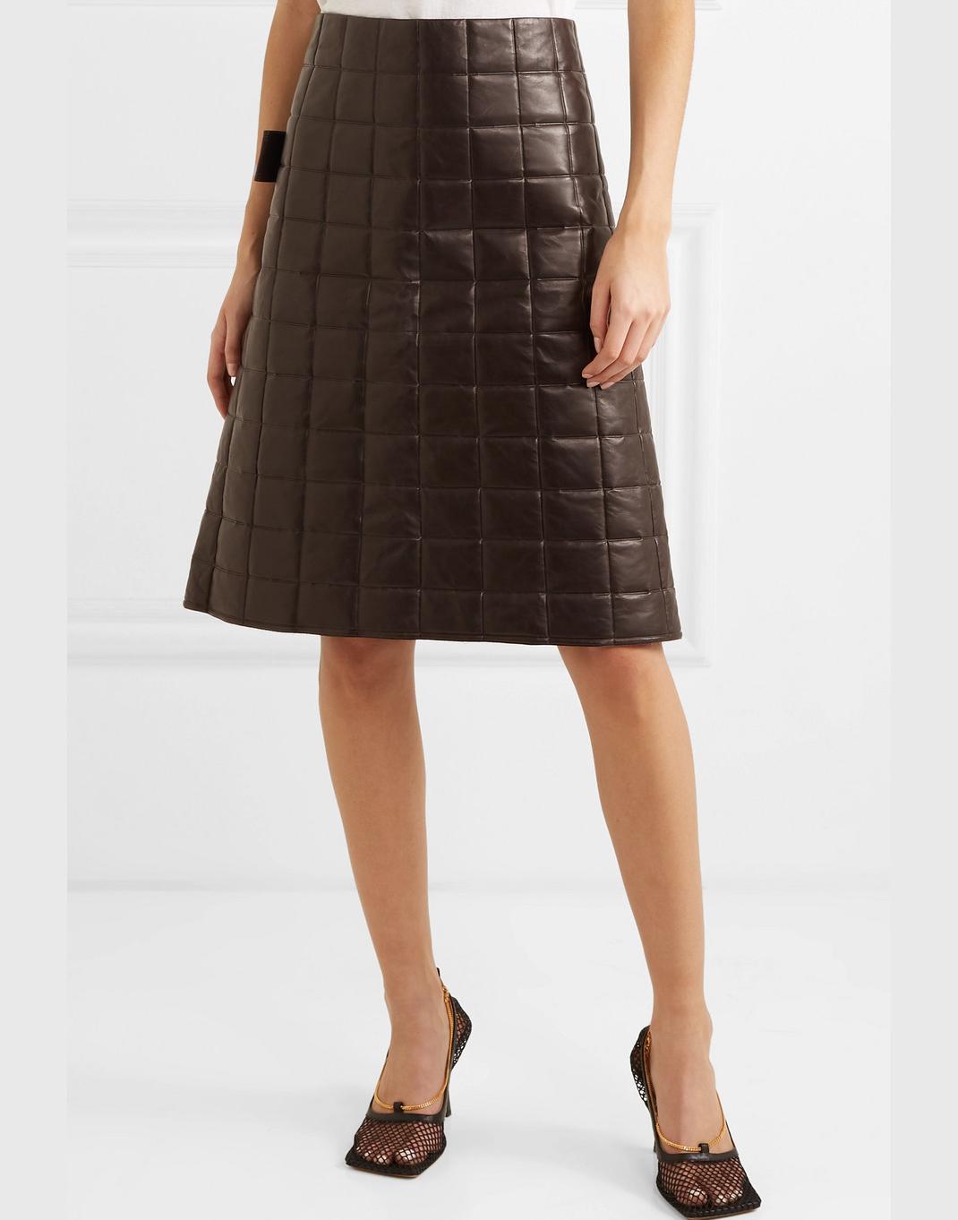 γυναίκα με φούστα Bottega Veneta