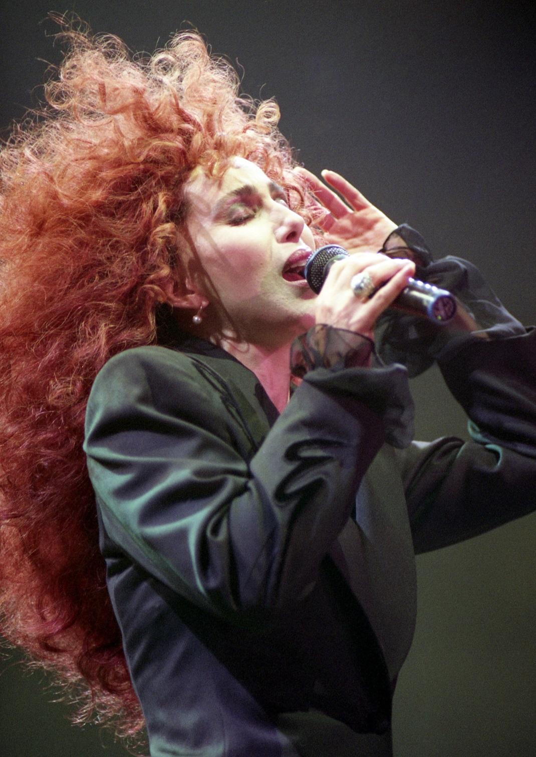 Η Σερ με κόκκινα μαλλιά