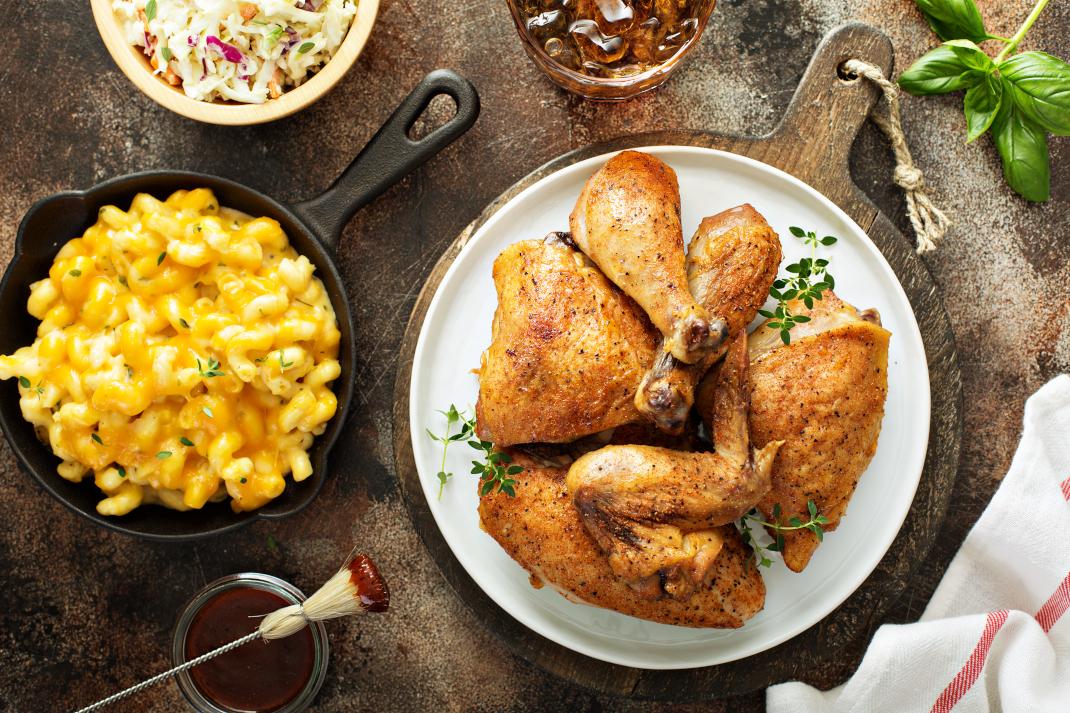 Κοτόπουλο και mac & cheese