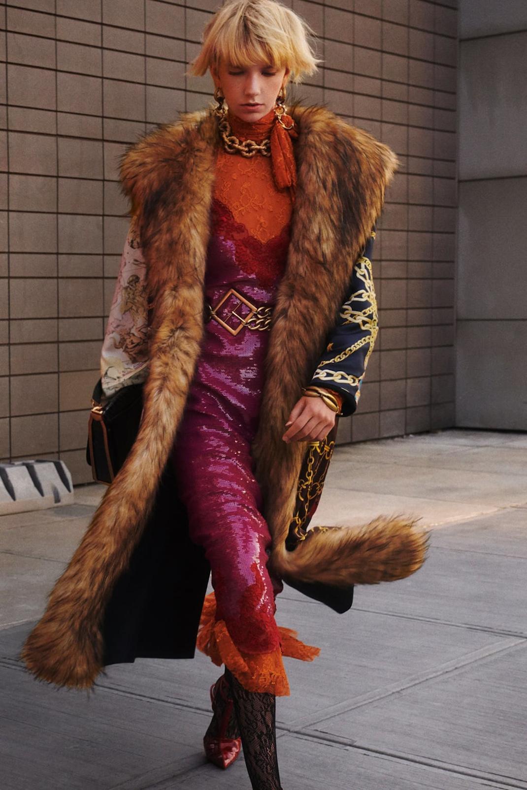 Φόρεμα παγιέτες Zara