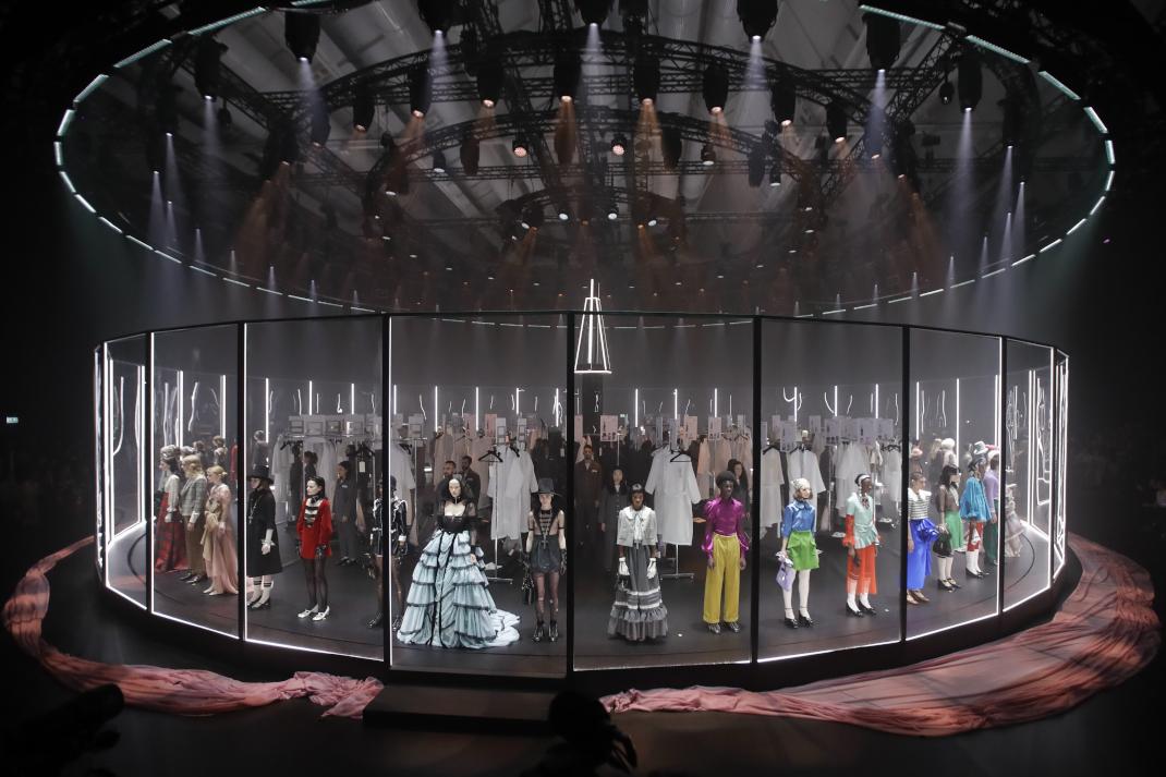 στιγμιότυπο από το show του Gucci