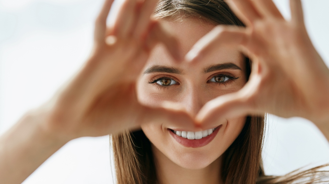 Χαμογελαστή Γυναίκα/Shutterstock