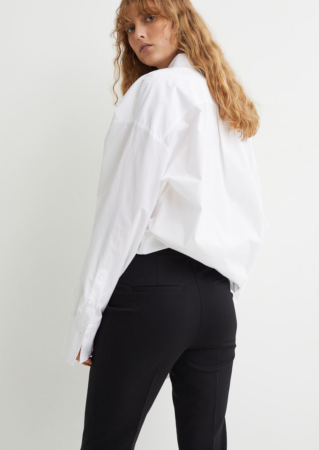 γυναίκα με παντελόνι HM