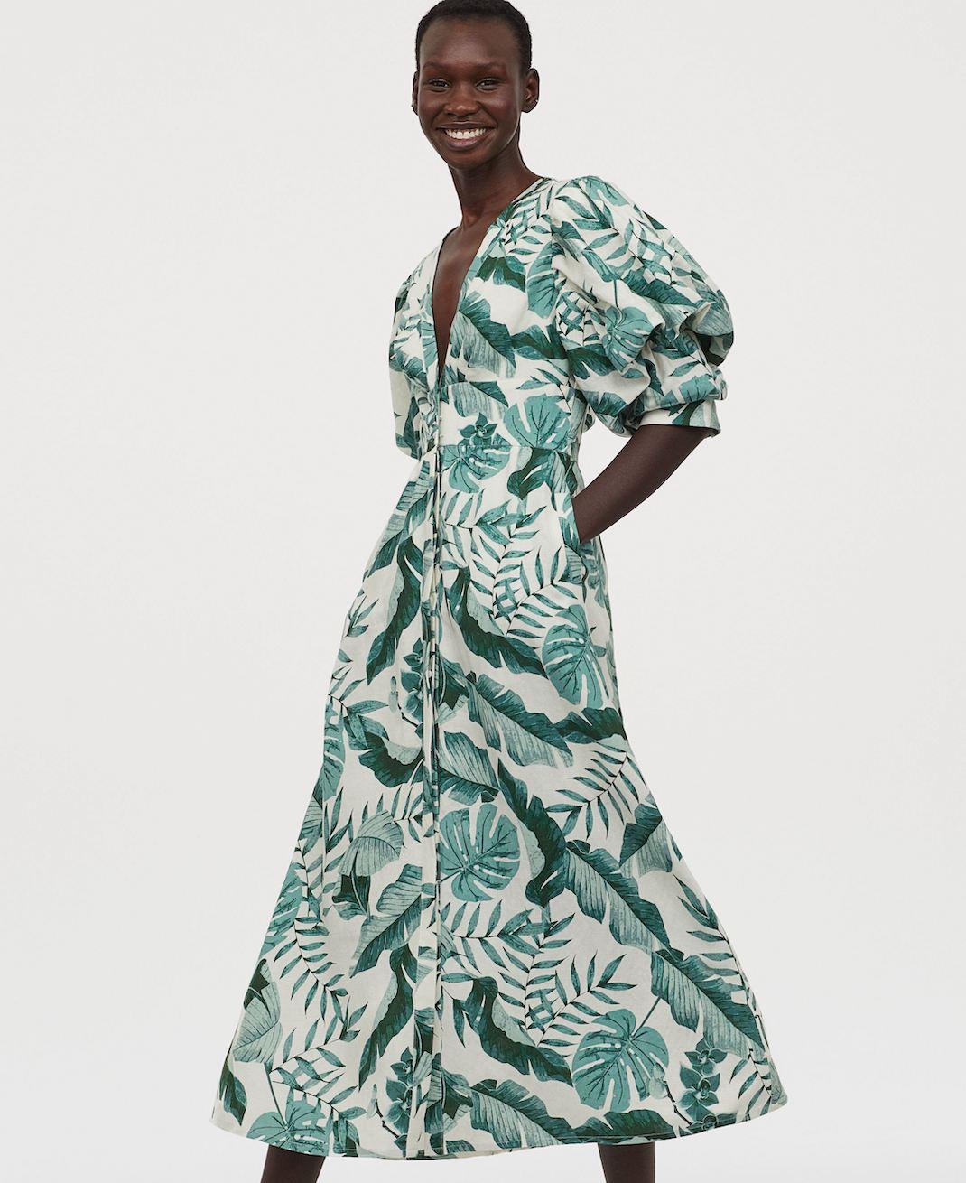 μοντέλο με φόρεμα hm