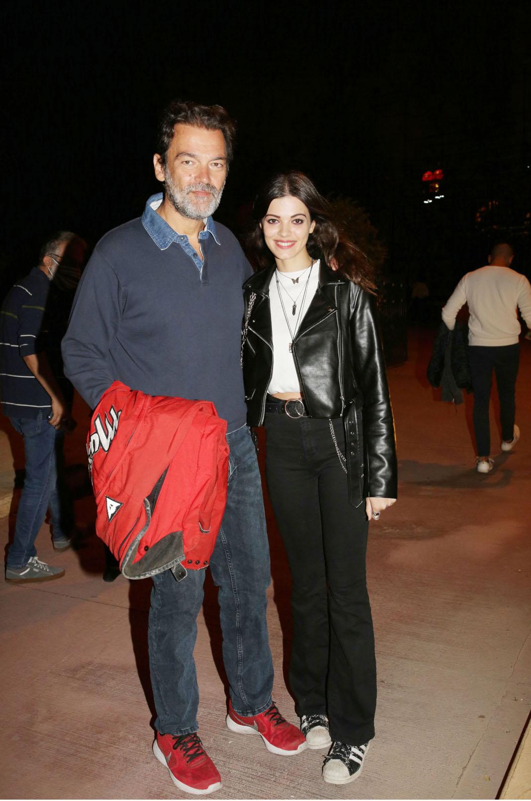 Ο Κωνσταντίνος Καζάκος με την κόρη του, Τζένη πήγαν θέατρο