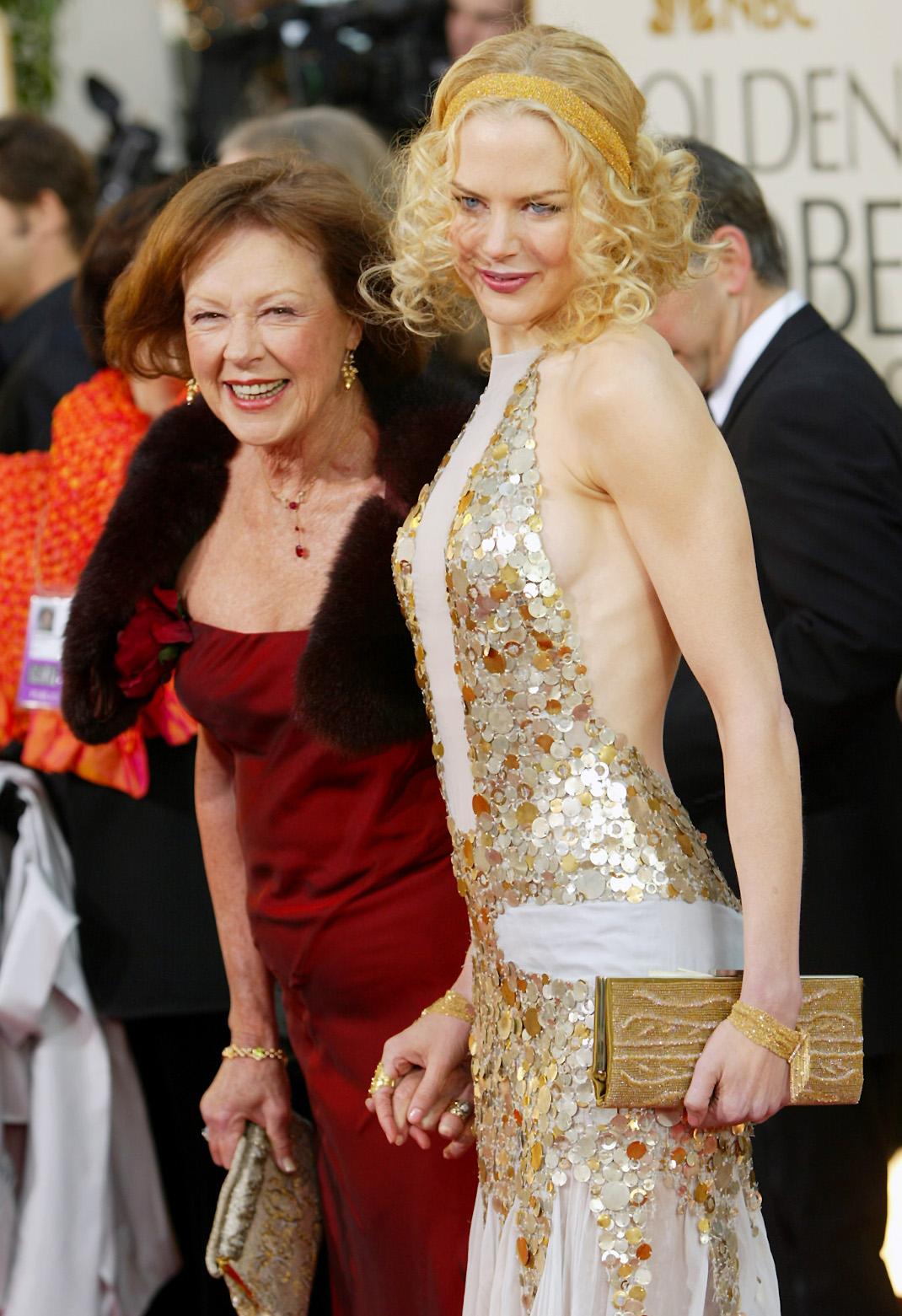 H Νικόλ Κίντμαν μαζί με τη μητέρα της