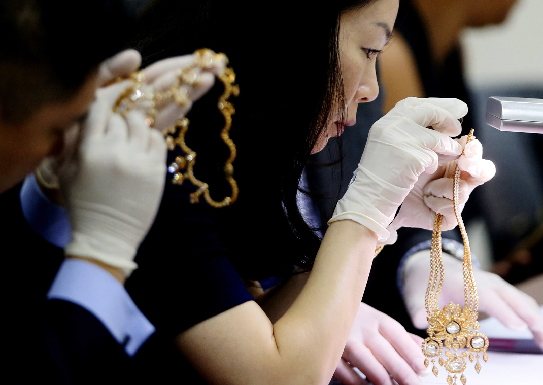 Τα πολυτελή κοσμήματα της Ιμέλντα Μάρκος