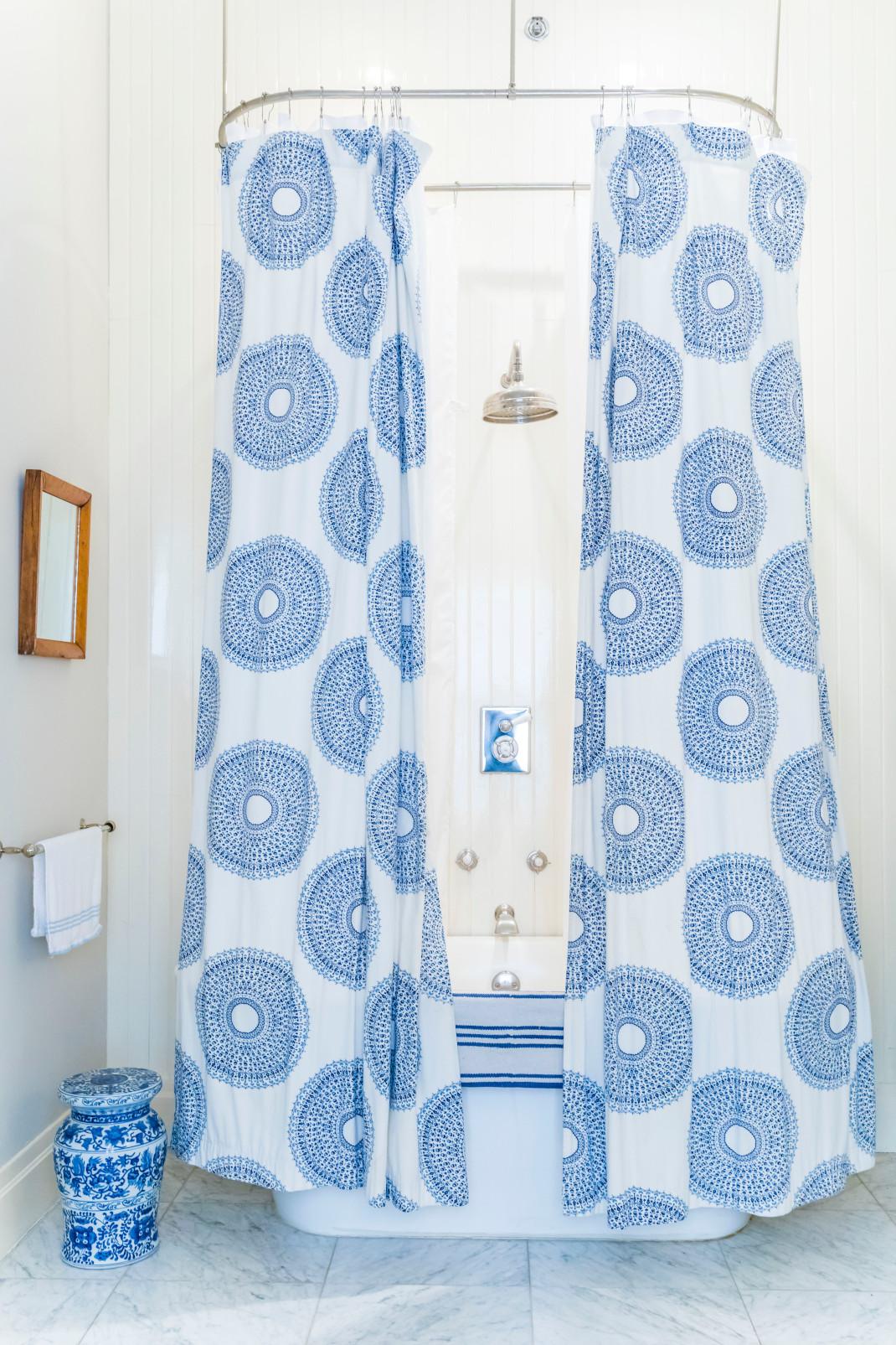 Μπάνιο με κουρτίνες