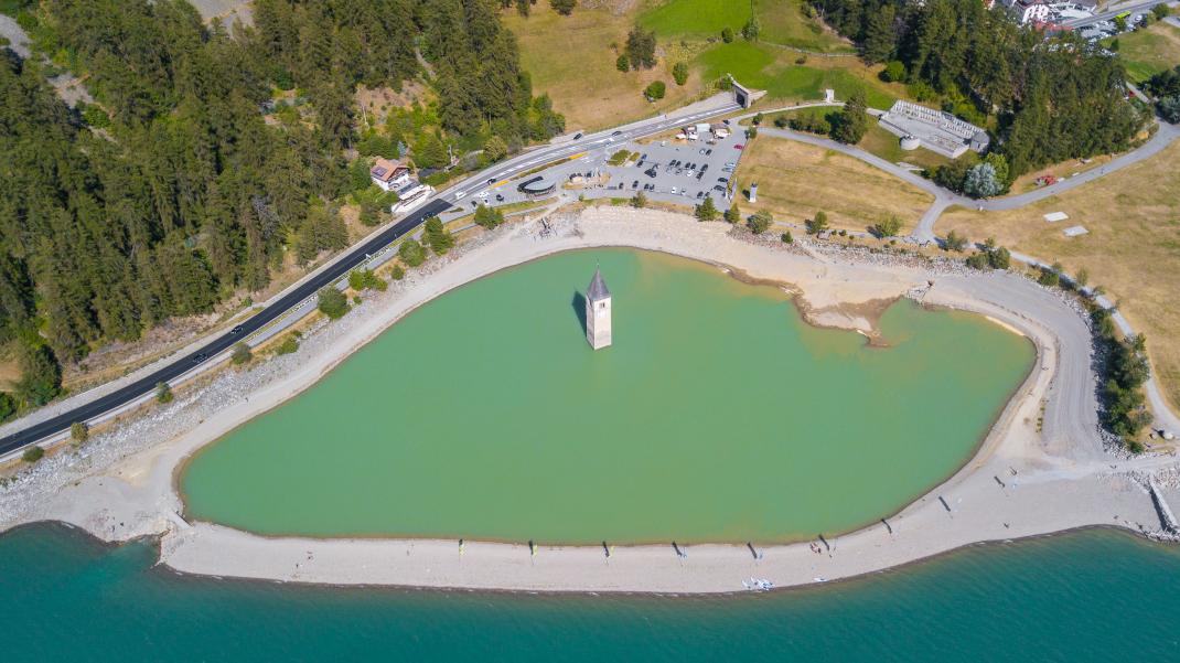 λίμνη πόλη Curon