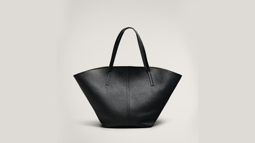 μαύρη τσάντα Massimo Dutti
