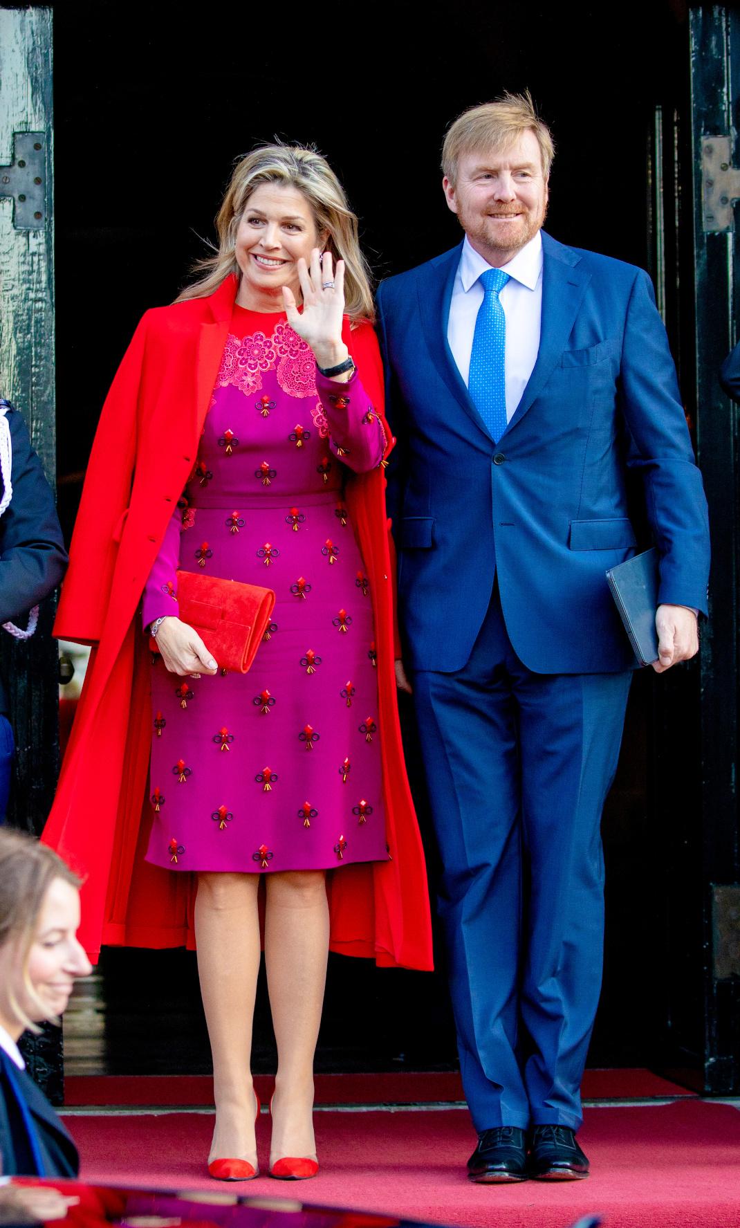 Η βασίλισσα Μάξιμα έκανε ένα υπέροχο color blocking