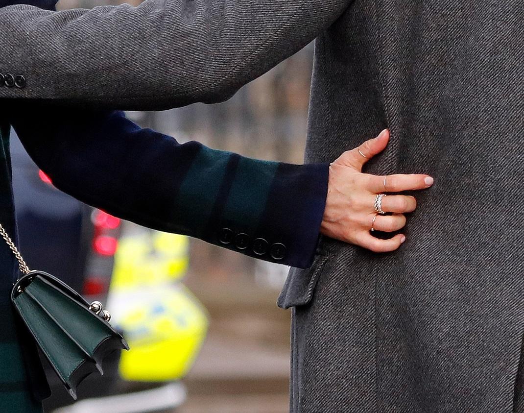 Το best seller δαχτυλίδι της Μέγκαν Μαρκλ έκανε ήδη 20.000 πωλήσεις -Οικονομικό και πολύ σικάτο (εικόνες)