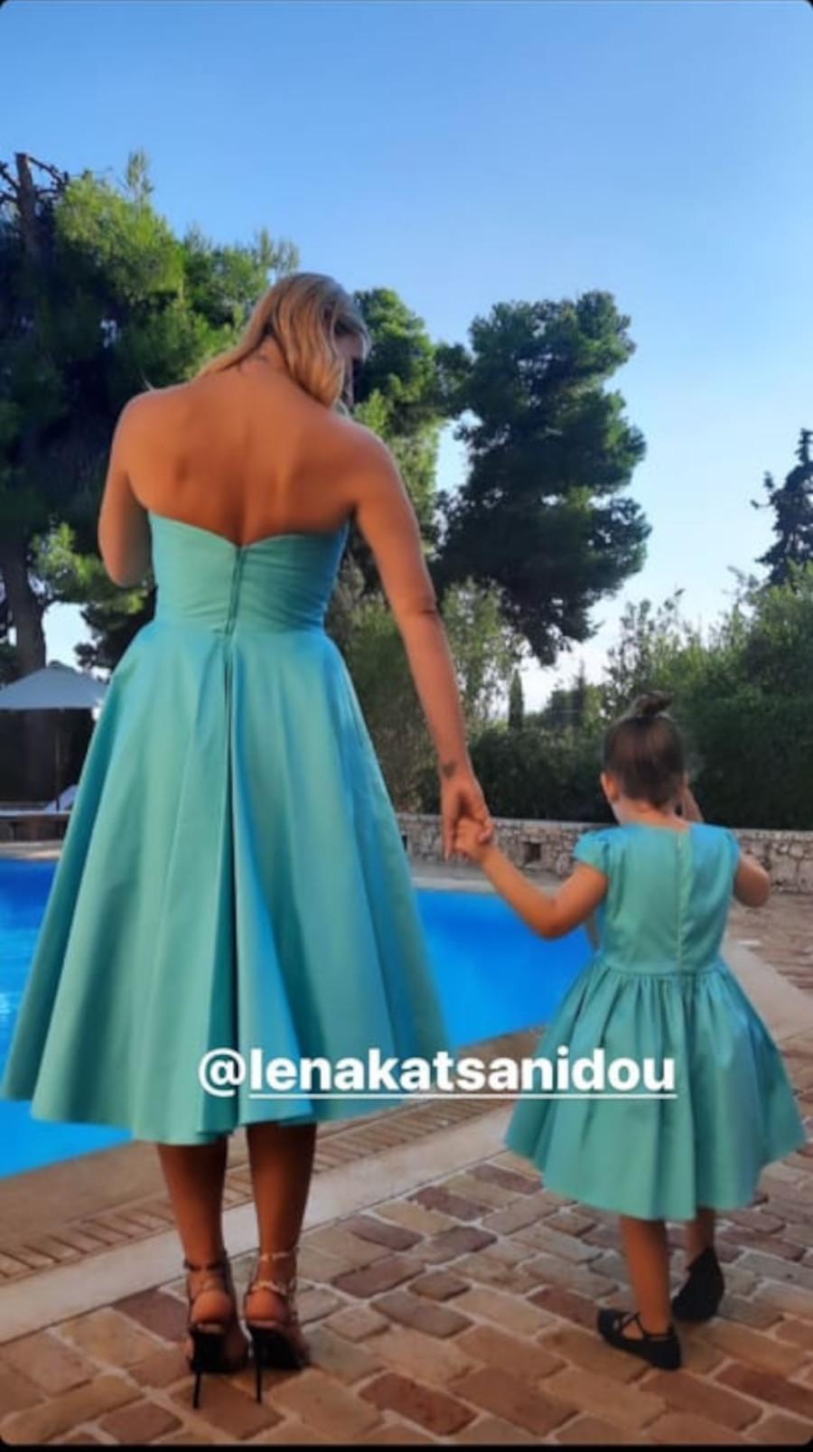 H Ελεονώρα Μελέτη φόρεσε το ίδιο φόρεμα με την τρίχρονη κόρη της, Αλεξάνδρα