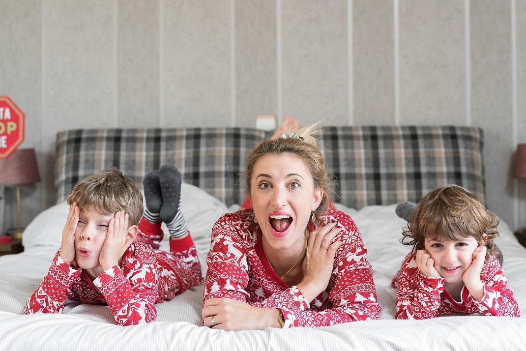 Η Μυρτώ Κάζη με τα παιδιά της