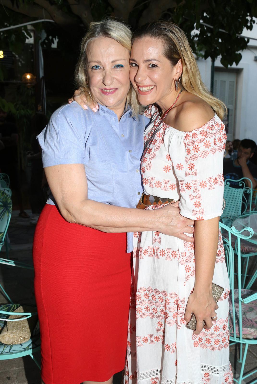 Νατάσσα Μποφίλιου με την μητέρα της