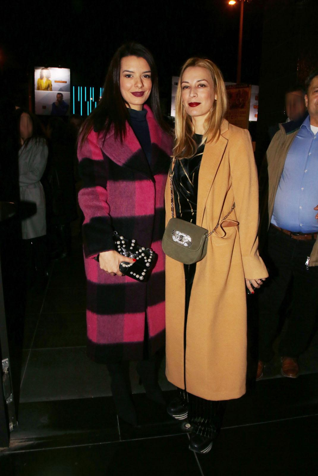 Νικολέτα Ράλλη με την αδελφή της, Μαρία