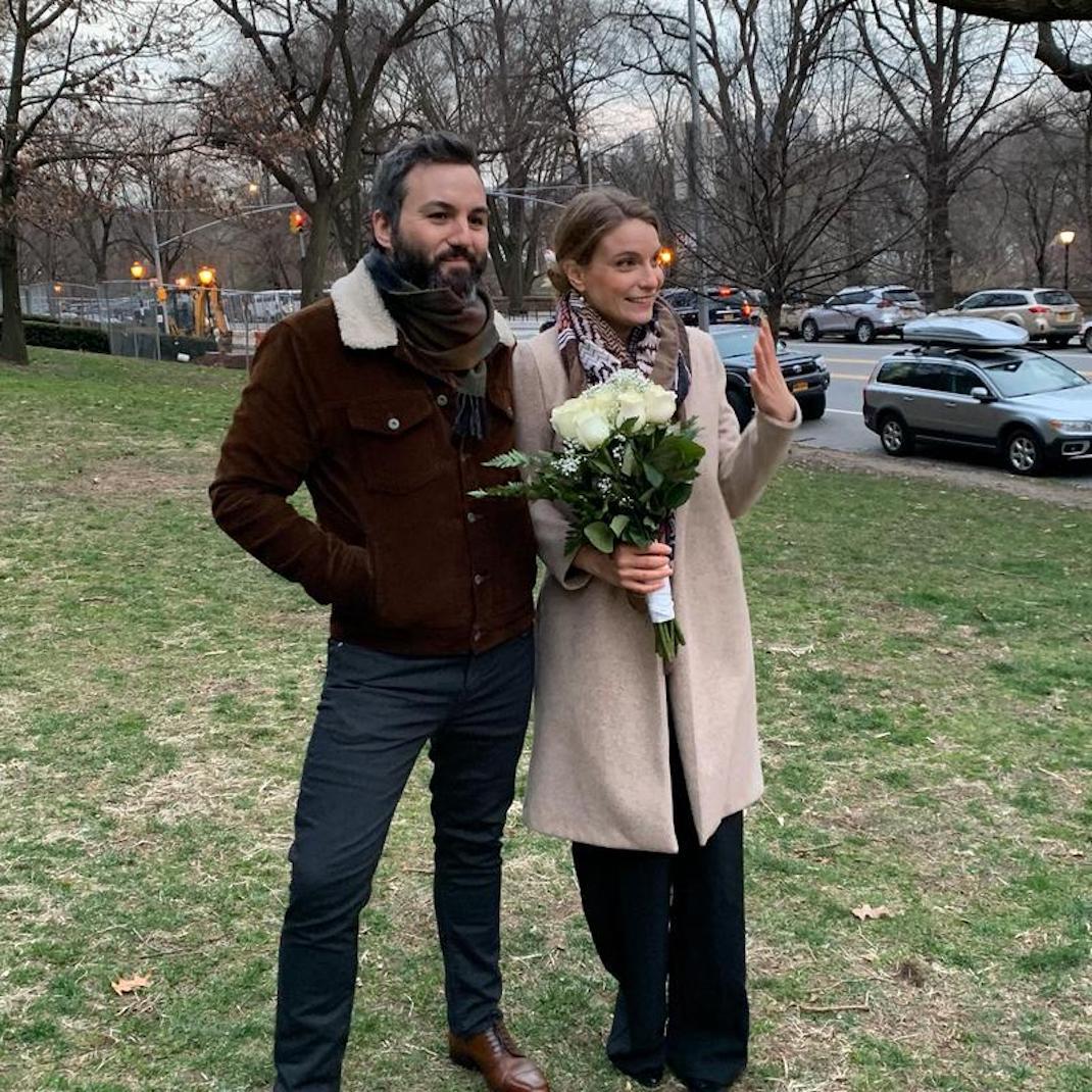 ζευγάρι παντρεύεται στη Νέα Υόρκη εν μέσω κορονοϊού