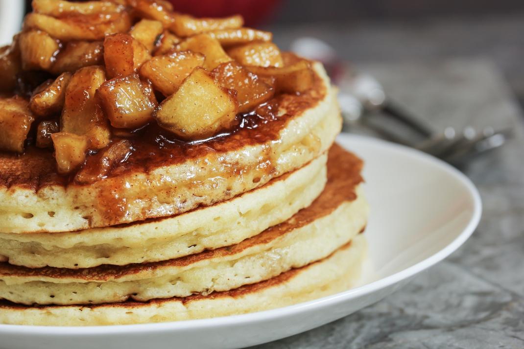 pancakes με μήλα
