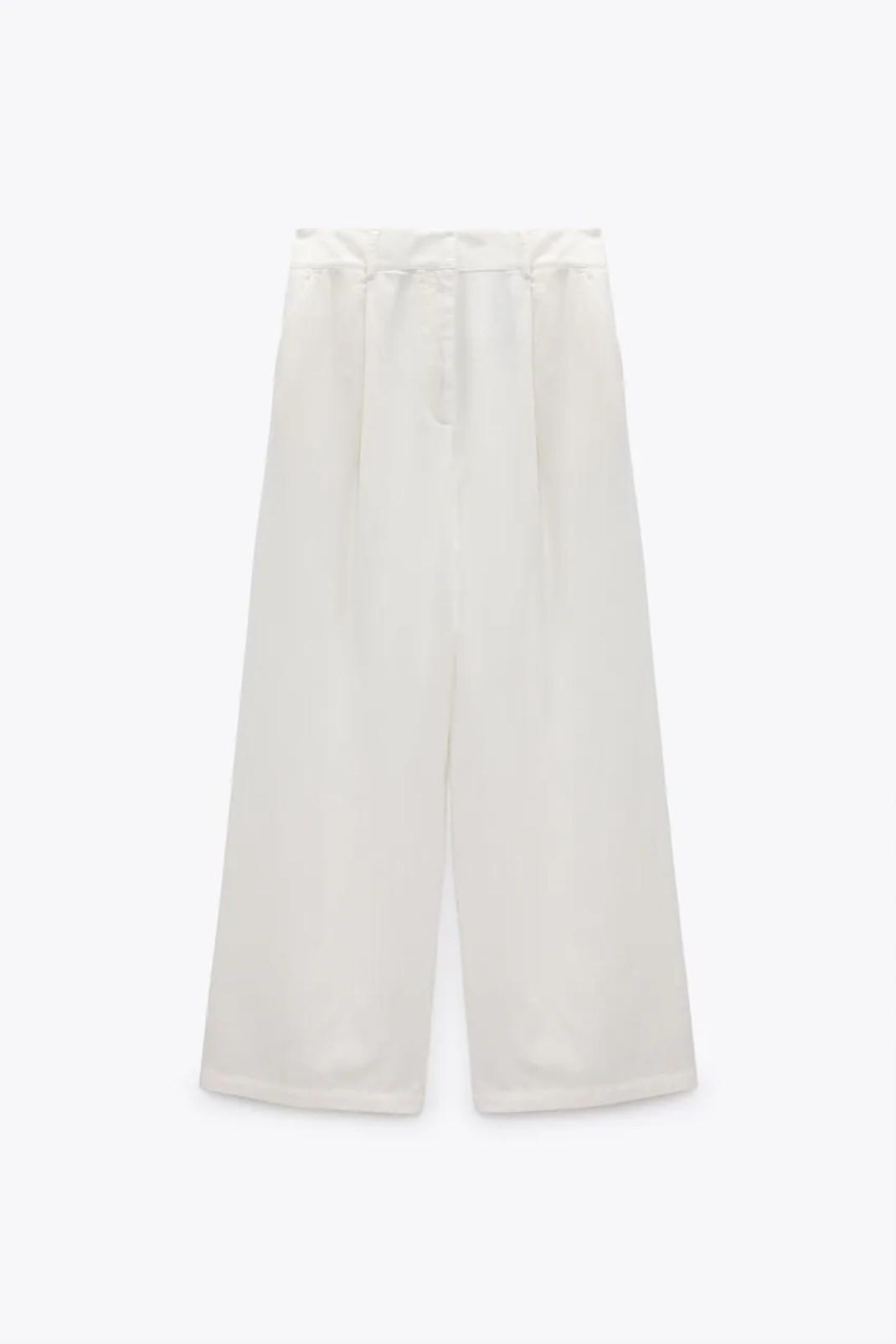 H εκρού ζιπ κιλότ από τα Zara που θα φορέσεις από τώρα μέχρι το φθινόπωρο