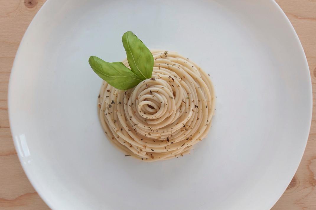 ζυμαρικά σε πιάτο