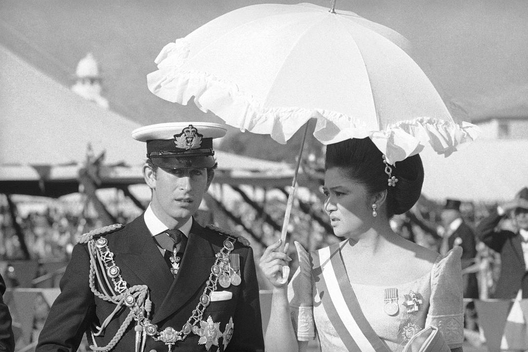 Η Ιμέλντα Μάρκος και ο πρίγκιπας Κάρολος