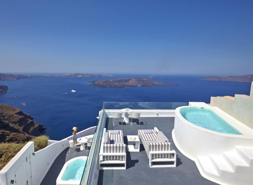 Dreams Luxury Suites  Santorini