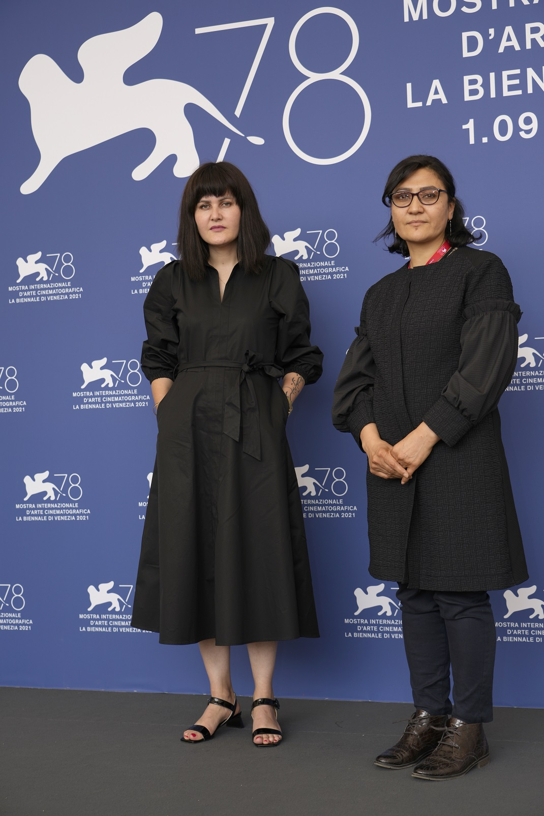 Η Sahraa Karimi με την Αφγανή δημιουργό ντοκιμαντέρ και καθηγήτρια στο Πανεπιστήμιο της Καμπούλ, Sahra Mani