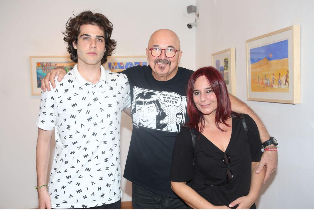 Η Χριστίνα Παπαμίχου με τον σύζυγο και τον γιο της