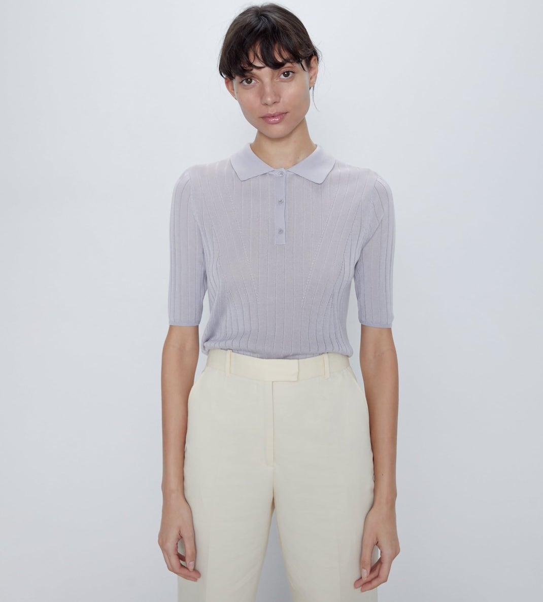 μοντέλο με πλεκτό τοπ Zara