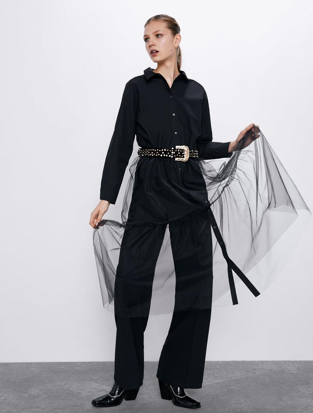 γυναίκα με πουκάμισο από τη νέα συλλογή Zara