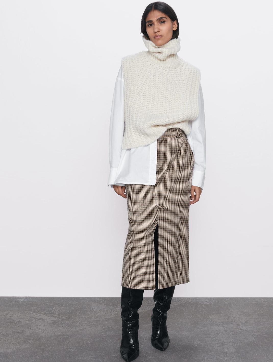 γυναίκα με φούστα Zara