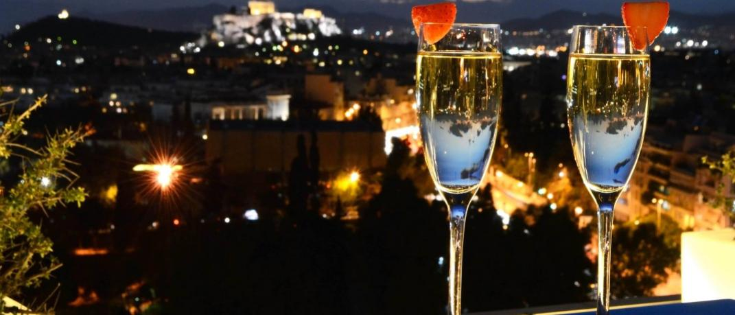 Galaxy Bar and Restaurant - Hilton Athens/ Facebook