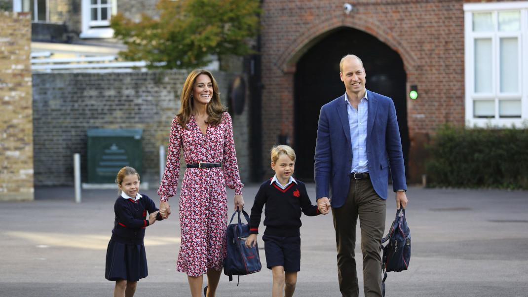 Κέιτ Μίντλετον και πρίγκιπας Γουίλιαμ με τα παιδιά τους