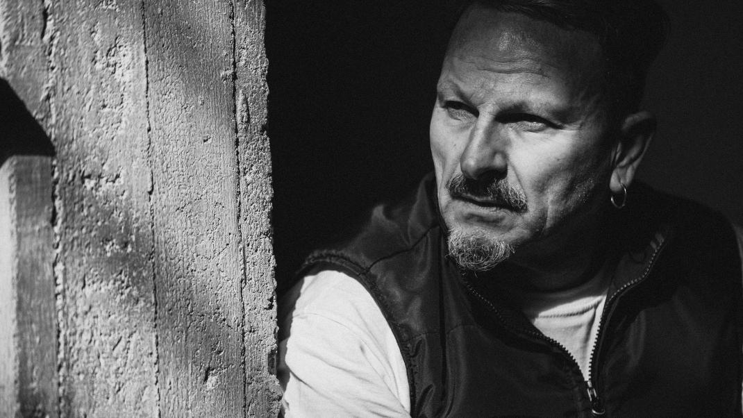 Μιχαήλ Μαρμαρινός: «Ο καθένας μας κρύβει μέσα του μιαν αγέλη ανεξέλεγκτων  προθέσεων»   BOVARY