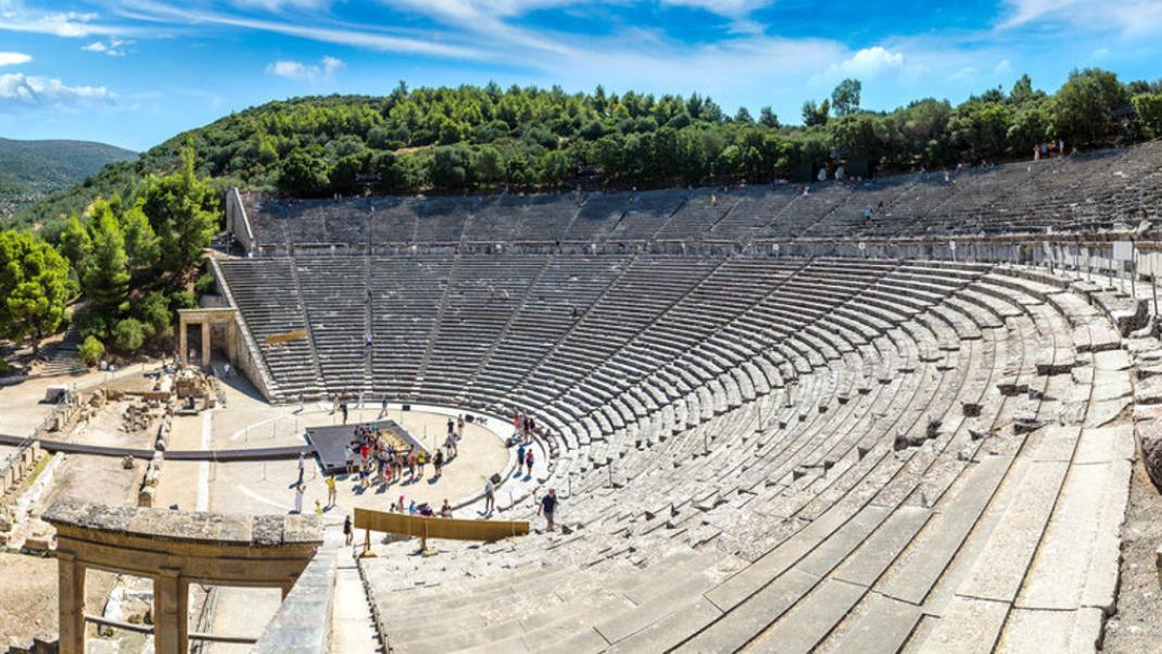 Eκδρομή στο Αρχαίο Θέατρο Επιδαύρου: Τι θα δείτε, πού να μείνετε και τι να  φάτε | BOVARY