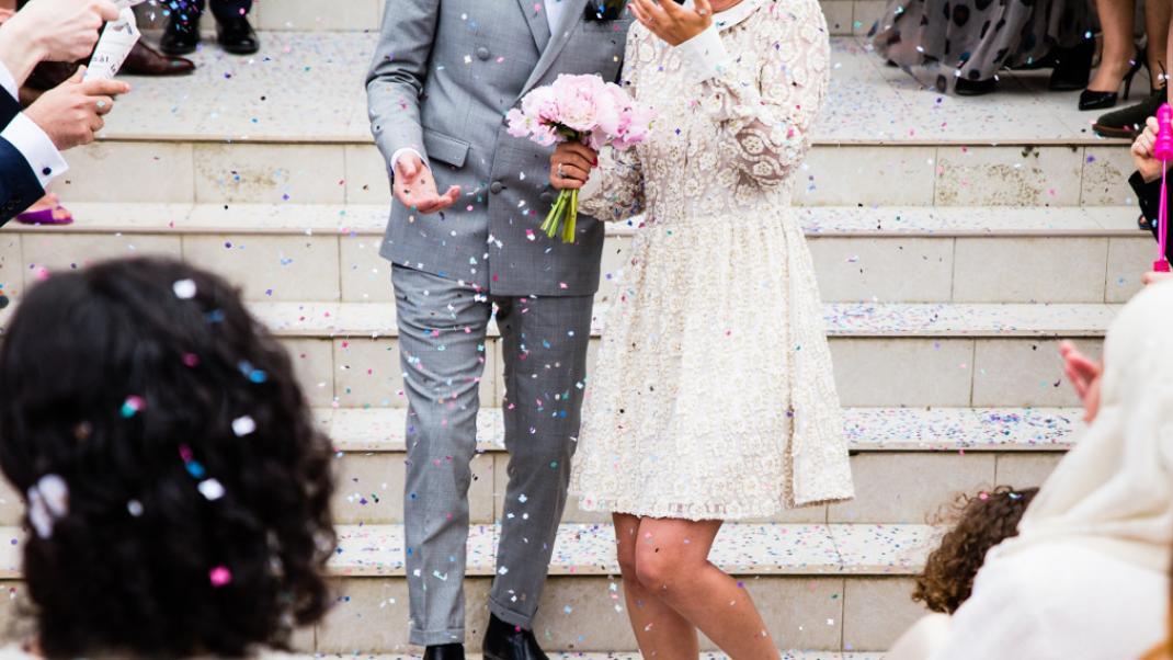 Σουηδικά ραντεβού και γάμο το να βγαίνεις με έναν άντρα με μούσι