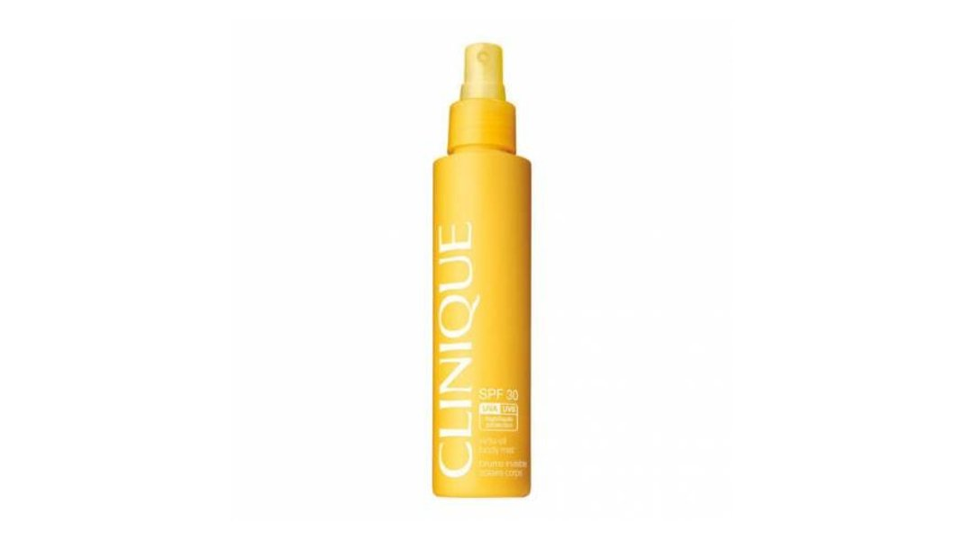 Clinique, Sun Brume Invisible Solaire Corps SPF 30/Δροσερό αντηλιακό για το σώμα σε υγρό σπρέι με μη-λιπαρή σύνθεση και υφή ελαίου που απορροφάται άμεσα για προστασία UVA/UVB.